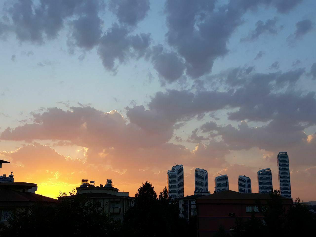 غروب زیبا در شهر غازی آنتپ ترکیه