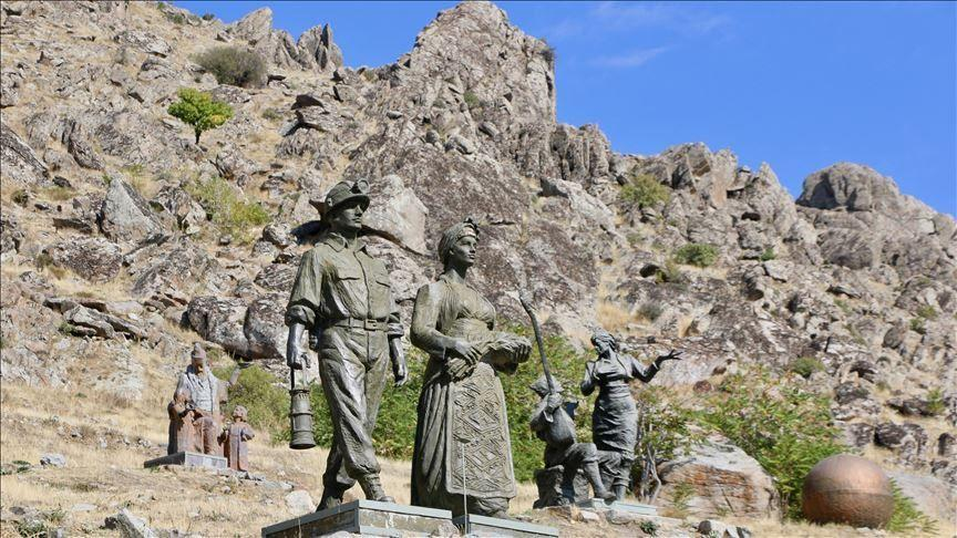 موزه متین یوردانور در میان صخرههای سیوریحصار ترکیه